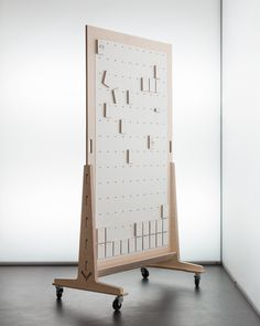 Divide_pegboard by Josh Worley for opendesk. Design Thinking, Office Decor, Home Office, Pegboard Display, Space Dividers, Craft Show Displays, Exhibition Display, Display Design, Wood Display
