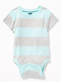 Shop Old Navy's collection of bodysuits and tops for your baby boy. Old Navy is your one-stop shop for stylish and comfortable baby clothes at affordable prices. Toddler Boy Gifts, Toddler Boy Fashion, Child Fashion, Cute Outfits For Kids, Baby Boy Outfits, Baby Boy Tops, Shop Old Navy, Cute Baby Clothes, Babies Clothes