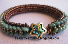 Lentille bracelet pattern designed by Adele Kimpell and beaded with CzechMates two-hole lentils.