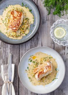 Ljuvligt fiskrecept med 5 huvudingredienser. Stekt torsk med krämig spetskål. Servera gärna med lite extra kokt potatis. #torsk #fisk #recept #mat #inspiration Vegetarian Recipes, Cooking Recipes, Healthy Recipes, Salty Foods, Food Goals, Dinner Is Served, Nutritious Meals, Soul Food, Food Inspiration