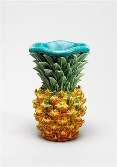 kate-malone-pineapple-on-fire,-a-vase.jpg (141×201)
