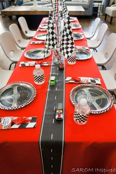 Article & Content Page Hot Wheels Birthday, Hot Wheels Party, Race Car Birthday, Race Car Party, Baby Boy Birthday, 4th Birthday, 2nd Birthday Party Themes, Cars Birthday Parties, Race Car Themes