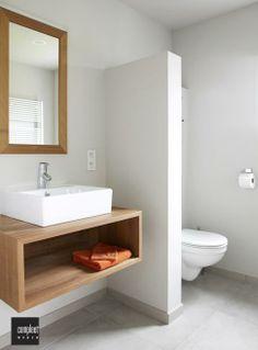 Laat je inspireren door de metamorfoses, droomhuizen en tips en trucs om je eigen interieur een impuls te geven. #ontwerp, #architect #RTLWoonmagazine #droomhuizen #binnenhuisarchitect Cv, Interior Ideas, Sweet Home, Bathtub, Vanity, Bathroom, House, Decor, Diy Home