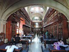 Biblioteka miejska w kościele pojezuickim – Morelia w stanie Michoacan. fot. Paweł Trefler
