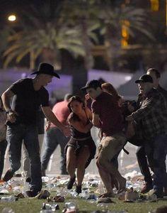 El peor tiroteo en EU dejó 59 muertos y más de 500 heridos en Las Vegas | El Puntero
