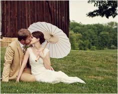 orientalisch Paper Parasol with Bamboo Boning - White Summer Wedding, Dream Wedding, Wedding Day, Estilo Gatsby, Couple Photography, Wedding Photography, Photography Ideas, Wedding Poses, Wedding Dresses
