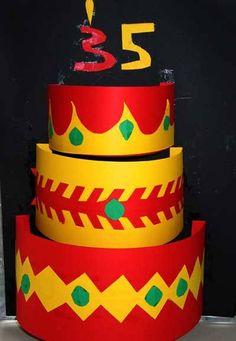 Stapel op taarten | lesidee | groep 3-4 | Laat maar Leren Latte, School, Birthday, Desserts, Cards, Food, Tailgate Desserts, Birthdays, Deserts