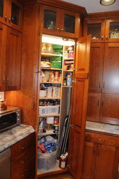23 Kitchen Corner Cabinet Ideas for 2020 – White N Black Kitchen Cabinets Corner Pantry Cabinet, Corner Kitchen Pantry, Kitchen Larder, Farmhouse Kitchen Cabinets, Kitchen Cabinet Design, Kitchen Storage, Corner Cabinets, Larder Storage, Cabinet Space