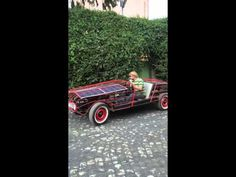 ▶ Handmade solar car takes to the street in Addis Ababa - YouTube