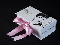 Audrey Hepburn  http://divascake.hu/audrey-box/