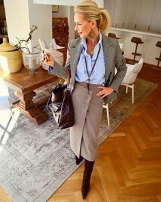 Best Fashion Ideas For Women Over 50 - Fashion Trends Moda Fashion, 50 Fashion, Office Fashion, Autumn Fashion, Fashion Looks, Fashion Outfits, Fashion Trends, Ladies Fashion, Fashion Tips