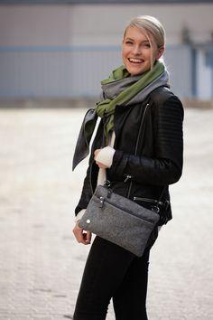 Schal aus feinstem Loden aus 100% Merinowolle. Das Schultertuch besticht durch ein angenehmes Tragegefühl. Das Dreieckstuch ist personalisierbar durch ein individuelles Monogramm und somit ein perfektes Geschenk. Passend zum modernen Outfit und zu Dirndl und Tracht.----- Shawl made from finest loden from 100% merinowool.  Scarf, shoulder scarf. Suitable to modern outfits and traditional clothes like dirndl. Perfect personalised Gift. #scarf #austriandesign #merinowool Moderne Outfits, Casual Outfits, Chanel, Shoulder Bag, Gift Ideas, Classic, Gifts, Bags, Fashion