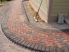 Mounting a Block or Paver Walkway – Outdoor Patio Decor Outdoor Walkway, Paver Walkway, Backyard Patio, Backyard Landscaping, Paver Sand, Paver Edging, Diy Paver, Paver Stones, Walkways