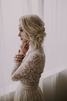 This amazing wedding photoshoot with Kelsie Emm Photography and Hair and Makeup by Steph is on my blog! This moody indoor shoot is a favorite bridal session of mine. I love the gorgeous bridal hair and makeup and the classic wedding dress I got to wear.