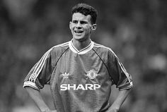 Ryan Giggs on his first full start for United against Manchester City in 1991    Read more: www.dailymail.co....