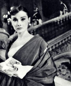 Audrey Hepburn photographed on the set of Funny Face, 1957 Audrey Hepburn Funny Face, Audrey Hepburn Born, Audrey Hepburn Photos, Fred Astaire, Bette Davis, Old Hollywood, Golden Age Of Hollywood, Divas, Beauty