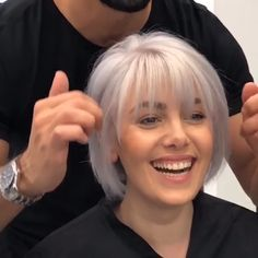 Hair Color Ideas for Short Hair in 2019 - Haarfarbe Ideen fü Haircuts For Thin Fine Hair, Bob Hairstyles With Bangs, Short Hair Styles For Round Faces, Short Hair With Layers, Short Bob Haircuts, Older Women Hairstyles, Medium Hair Styles, Hairstyle Short, School Hairstyles