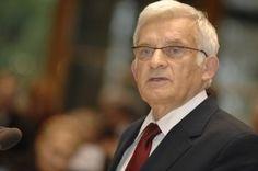 Sukces wyborczy Aleksandra Kwaśniewskiego w 1995 roku, a jeszcze wcześniej sukces jego politycznej formacji – SLD w 1993 sprawił, że działacze wszystkich ugrupowań centrowych i prawicowych, zaczęli poszukiwania sposobów i środków konsolidacji swoich szeregów.