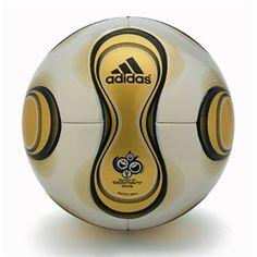 Alemania 2006 - Teamgeist Con sólo 14 gajos.