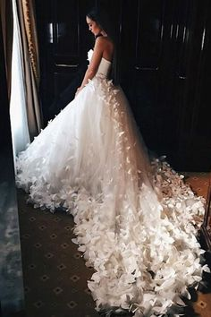 Elegant Wedding Dress Bridal Gown,Modest Tulle Wedding Dresses With Flowers, Elegant wedding gown wedding dress, modest tulle wedding dresses with flowers, # wedding gown # tulle wedding gown Wedding Dresses With Flowers, Elegant Wedding Dress, Tulle Wedding, Dream Wedding Dresses, Flower Dresses, Bridal Dresses, Wedding Gowns, Modest Wedding, Summer Wedding