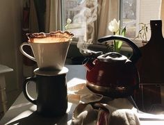 Coffee Cafe, Coffee Shop, Cafe Rico, Slow Living, Aesthetic Food, Brown Aesthetic, Coffee Break, Tea Time, Brewing