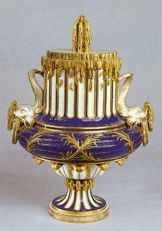 ** Dekorační váza - modrý,zdobený porcelán ** 1766 **
