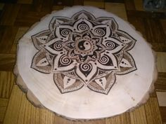 Wood burned mandala burned today :) 99€