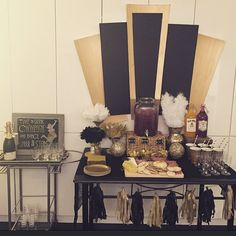 1920's Party Display, Gatsby , Murder at the Juice Joint DIY 1920's party #Celebr8Everything