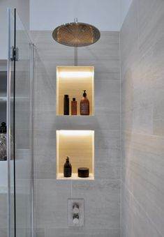 Cool lighting in the shower niches
