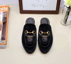Guccl New Womens Mens 18059955283 Gucci Shoes, Men's Shoes, New Product, Product Launch, Boho Sandals, Time Shop, Sports Shoes, Cartier, Casual Shoes