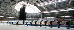 IJsbaan de Westfries is een dynamische overdekte ijsbaan met een 400 meter baan en een 30 x 60 meter baan. Tijdens de recreatieve uren is iedereen welkom om vrij te schaatsen op de kunstijsbaan. Regelmatig zijn er evenementen en in de vakanties worden er leuke extra activiteiten georganiseerd.  voor volwassenen is de entree € 6.00 en voor kinderen € 5,00.   het adres is Westfriese parkweg 5 1625 MA Hoorn voor vragen kan je bellen naar : 0229-277660