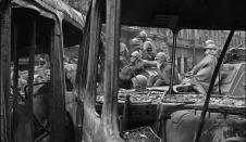 Pictures of the 1968 Soviet Invasion of Czechoslovakia Black White Photos, Black And White, Visit Prague, Magnum Photos, Old Photos, Monochrome, Praha, Ian Berry, Retro