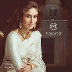 Kareena sparkles from every angle with jewellery from Malabar Gold and Diamonds!