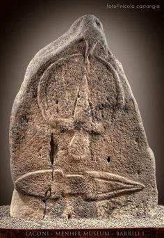 Menhir del 3000 AC (5000 anni fa ) Sardinia / Cerdeña- Laconi (Nuoro)