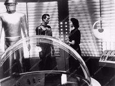 photo Patricia Neal Gort Michael Rennie sci-fi film Day the Earth Stood Still 1774-04