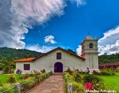 Iglesia de Orosí, Costa Rica (Foto por Producciones Mansua).