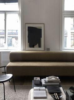 The Sculptors Residence Minimalist Interior, Modern Interior, Interior Design, Decorating Blogs, Interior Decorating, Interior Inspiration, Design Inspiration, Indoor, Couch