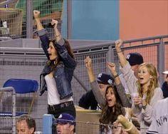 Cheering Joanna Garcia, Cheer, Wrestling, Sports, Lucha Libre, Hs Sports, Humor, Sport, Cheerleading