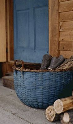 Love the look. Need to dry brush some of the old baskets like this for next year's gardening.