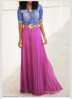 LOVE the Long Pink skirt/ blue jeans top & Western belt. Looks Style, Style Me, Long Pink Skirt, Purple Maxi, Passion For Fashion, Love Fashion, Site Mode, Casual Outfits, Cute Outfits