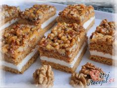 Honig-Nuss-Schnitten – Himmel im Mund Honey Nut Slices – Sky in the mouth Cupcake Recipes, Cookie Recipes, Snack Recipes, Snacks, Easy Smoothie Recipes, Easy Smoothies, Gateaux Cake, Pecan Recipes, Slovak Recipes