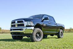 2014-Dodge-Ram-2500-Lifted