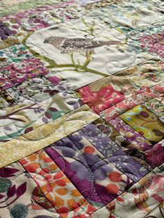 Boho bird quilt - free form paisley quilting detail