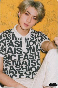 Sehun - 151115 'Love Me Right ~romantic universe~' album photocard - [SCAN][HQ] Credit: 2bling10.