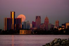 Moon setting over Detroit, Michigan. Picture taken by brilliant photographer and friend, Bobby Alcott. Detroit Skyline, Detroit Rock City, Detroit Area, State Of Michigan, Detroit Michigan, Moon Setting, Great Lakes, Oh The Places You'll Go, Beautiful Places