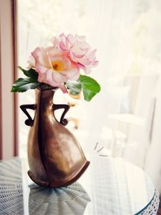 {this sassy vase looks like something from Beauty and the Beast.}