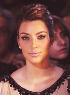 I don't care for her but what money and a good makeup artist can do for you....cat eye and pink lip