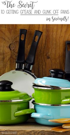how to easily clean grease off pots and pans in seconds. Casseroles, Food To Make, How To Make Money, Troubles Digestifs, Pots And Pans Sets, Aluminum Pans, Acidic Foods, Cast Iron Cookware, Cookware Set