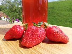 Süße Beeren zum Trinken – Mein Erdbeersirup Radler, Strawberry, Fruit, Food, Mint, Strawberries, Drinking, Essen, Strawberry Fruit