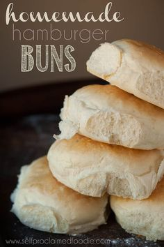 The search for a good looking tasty big hamburger bun that won't fall apart is over with this simple and fun recipe for Homemade Hamburger Buns.